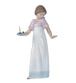 Nao 02001155 TO LIGHT THE WAY - Girl with Candle