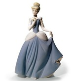 Cinderella Disney Princess - Nao by Lladro (Pre-order for arrival up to 3 weeks)