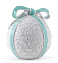 Lladro 01018338 2010 CHRISTMAS BALL White Finish With A Turquoise Green Colour Ribbon