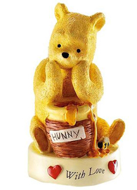 Winnie The Pooh A20915 WITH LOVE Figurine
